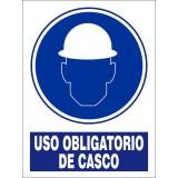 SEÑAL USO OBLIGATORIO DE CASCO PVC 30X40 cm