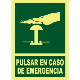 SEÑAL PULSAR EN CASO DE EMERGENCIA FOTOLUMINISCENTE PVC 21X29 cm
